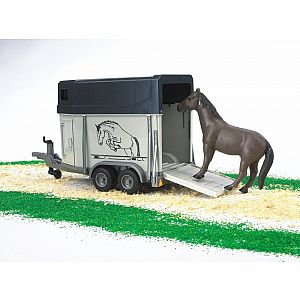 Horse trailer including 1 horse